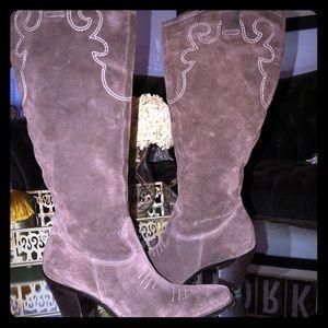 Via Spiga suede heeled boots